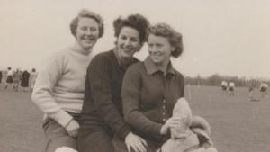 Audrey Appleby (centre)